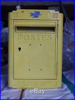 Ancienne boite aux lettres de la Poste réformée DEJOIE 1972