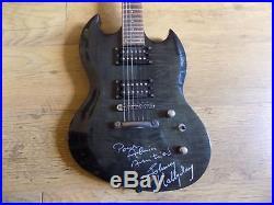 Autographe Guitare JOHNNY HALLYDAY dédicace signée àla main en personne HALLYDAY