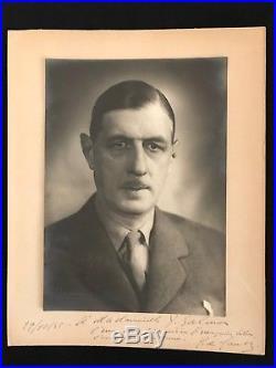 Charles De Gaulle / Photographie Dédicacée Et Signée (octobre 1945) / Y. Salmon