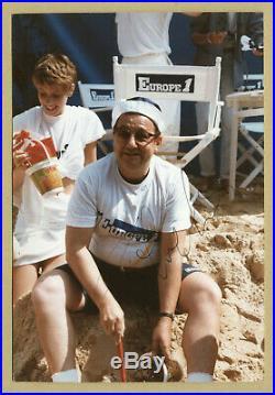 Coluche (1944-1986) Amusante et rare photo originale signée à Paris en 1985