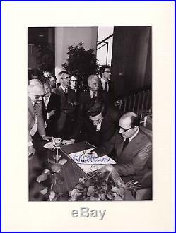 François Mitterrand / Photographie Noir Et Blanc Signée (1981)