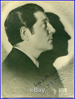 Jean Gabin (1904-1976) Magnifique grande photo signée en 1946 Autographe