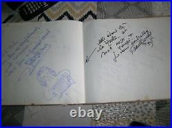 LIVRE D'OR du Restaurant L'ARCHE DE VERDUN Plusieurs centaines d'Autographes