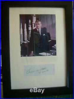 Wernher von Braun handsigned Autographe manuscrit carte ca 5 x 11 cm